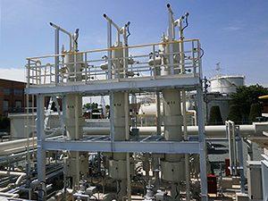 LNG気化器